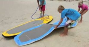 Inflatable-stand-up-paddle-board-currumbin
