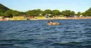 Stand-Up-Paddle-Boarding-Lesson-1-30012012-Praia-do-Guaiuba-GuarujaBrazil
