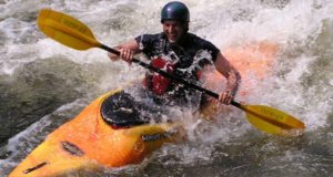 whitewater-kayaking-clinics-and-guide-training